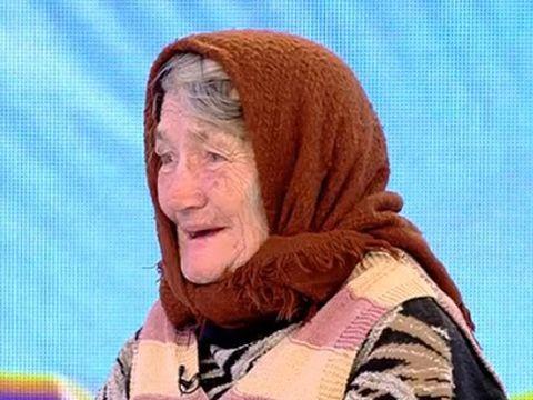 Cazul femeii care l-a cutremurat pe Gigi Becali! Tanti Maria, bătrânica de 80 de ani, doarme într-un grajd după ce i-a ars casa