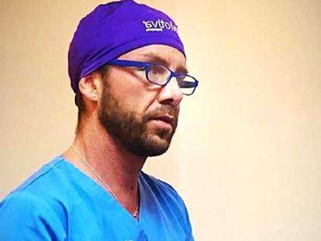 """Iubita lui Matteo Politi, medicul impostor, șochează din nou: """"Mi-a scos cancerul"""""""