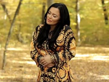 Imagini SPION de la filmările videoclipului piesei pe care Carmen de la Sălciua i-a dedicat-o iubitului ei! EXCLUSIV
