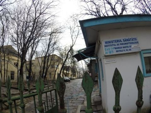Bacterie ucigașă la un spital din București! Un pacient a murit, altul este infectat