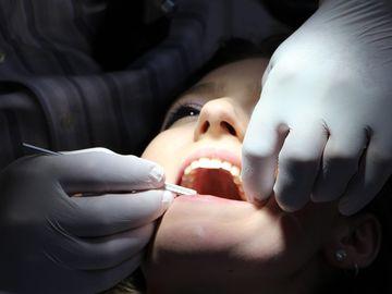 Dureri de dinti. Ce sa faci cand te doare maseaua. Cele mai bune remedii naturale