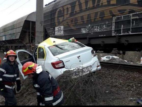 Tragedie în Orșova! Un mort și doi răniți după ce un tren a intrat într-un taxi