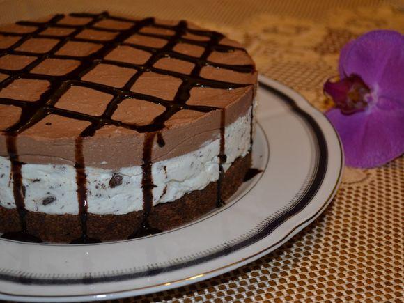 Cheesecake cu ciocolată. Un desert delicios!