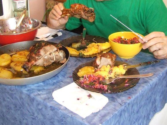 Cele mai comune 6 greseli la masa de seara. Cum sa le eviti