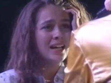 Misterul dispariției singurei românce care l-a sărutat pe Michael Jackson! Ce a pățit un jurnalist german care a venit la București să o găsească pe Cora?