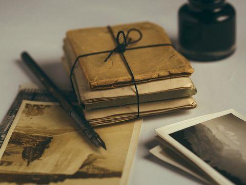 Trei surori au găsit scrisorile vechi de 60 de ani ale părinților lor. După ce au început să le citească, și-au dat seama că au făcut o greșeală imensă