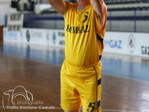 """El este antrenorul Codruței Kovesi de pe vremea când făcea baschet! Mircea Rotaru: Era autoritară, mă muștruluia și pe mine"""""""