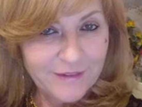 INCREDIBIL! Mama Alinei Vidican vinde mobila din casă! Fosta soacră a lui Cristi Borcea vrea 450 de lei pentru o masă și 4 scaune EXCLUSIV