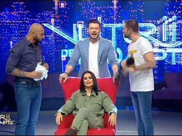 """Oana Zăvoranu, apariție de senzație la """"Vulturii de Noapte""""! A continuat """"războiul"""" cu influencerele de pe net"""