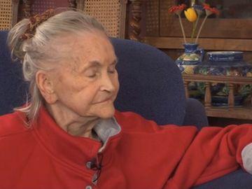 """Imagini tulburătoare cu Zina Dumitrescu! Prima apariție a """"Mamei Zina"""" după ce s-a aflat de problemele grave de sănătate"""