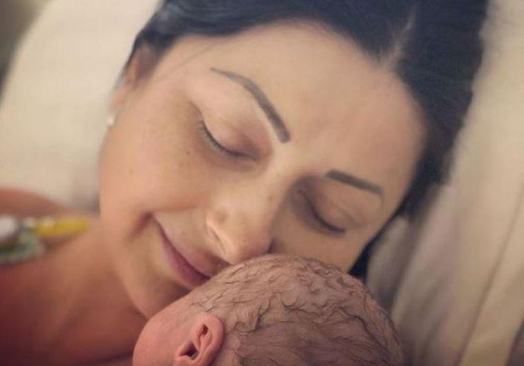 Cum a fost găsită Gabi Cristea în salon, alături de fetiță, imediat după ce a născut