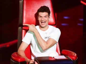Tudor Chirilă câştigă sume uriaşe din televiziune! Cântăreţul scoate mai mulţi bani ca jurat decât din muzică! EXCLUSIV