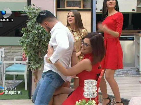 """Imagini incredibile la Puterea Dragostei: Bogdan i-a făcut striptease Ralucăi! Lui Ricardo nu i-a venit să creadă: """"Îmi bate inima"""""""