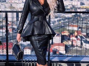 """În penthouse-ul de lux al Biancăi Drăguşanu s-a filmat un serial de televiziune: """"De pe terasa de 200 de metri pătrați se pot vedea munții"""" FOTO"""