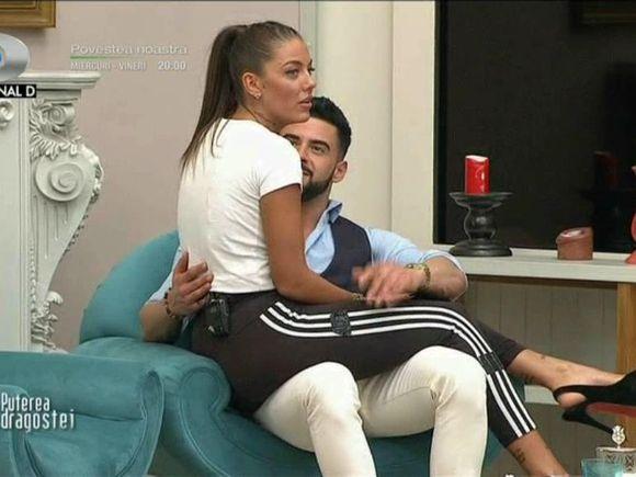 """Bogdan și Roxana, imagini tandre! """"Mai vrei cuplu cu Deea? Vrei cu mine sau cu Deea?"""""""