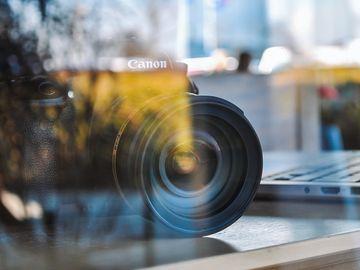 Turiști din 30 de hoteluri, filmați pe ascuns! Imaginile erau urmărite în direct, pe internet