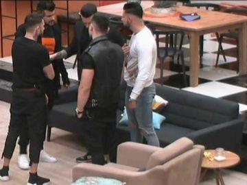 Un nou scandal la Puterea Dragostei! Conflict între Hamude și Bogdan! Băieții au intervenit
