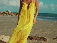 Imagini incendiare cu cea mai sexy româncă din Miami! Diana Nicoraș a pozat dezbrăcată