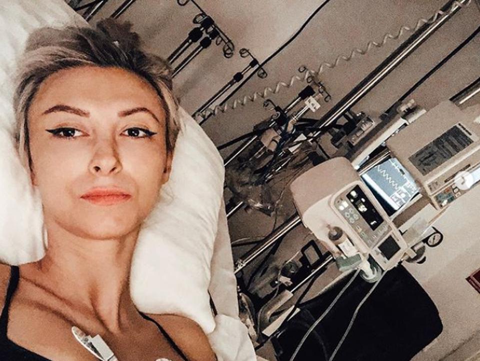 """Andreea Bălan a ieșit din operație! Poză horror de pe patul de spital: """"Operația mă doare cât celelalte două la un loc"""""""