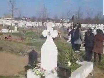 Nicu Maharu, coborât în groapă cu lăutari! Imagini de la înmormântare