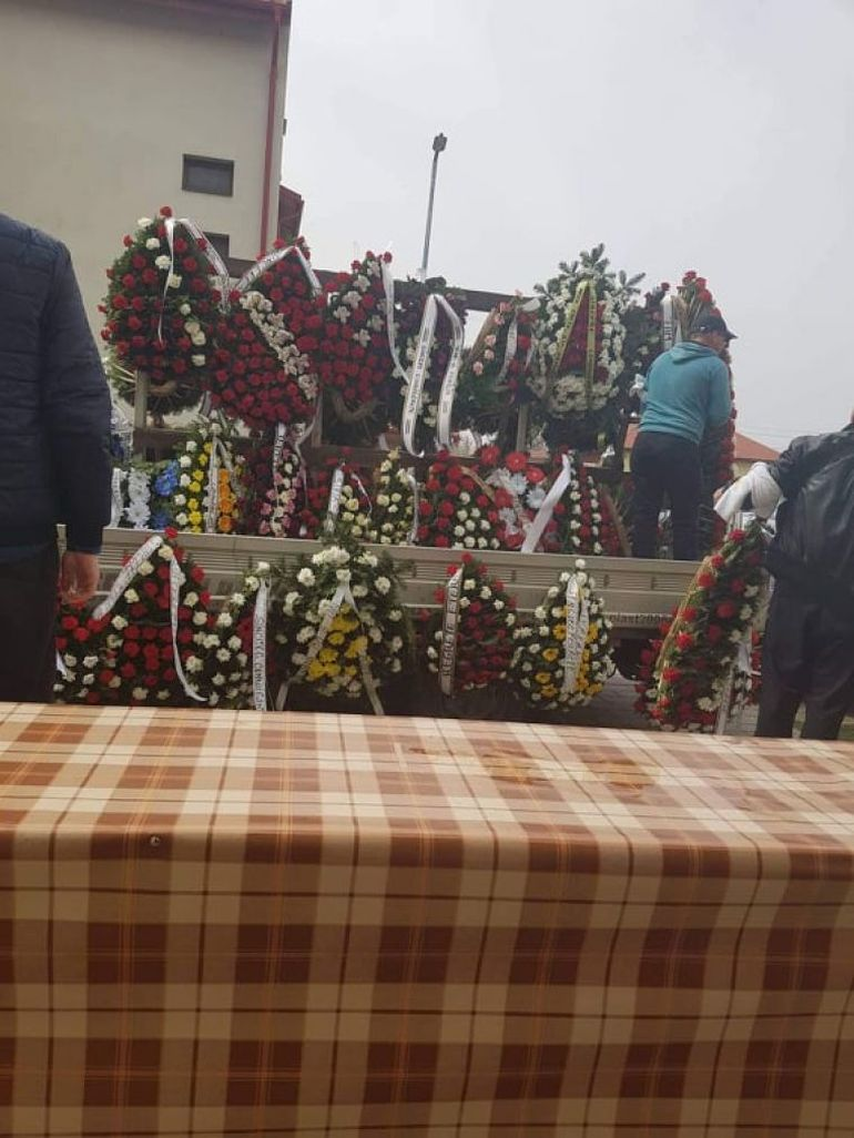 Dezvăluiri cutremurătoare! Ce a făcut iubita lui Maharu la înmormântare de i-a emoționat pe toți!