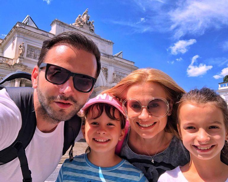 """Fericire mare în familia lui Mihai Morar! """"Vom fi părinți a treia oară"""""""