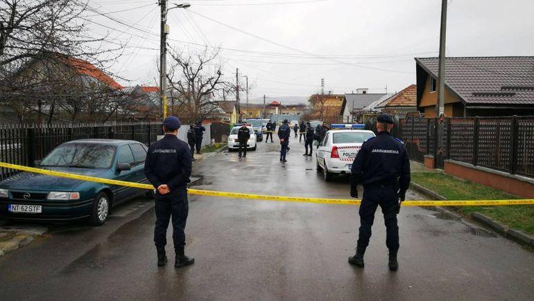 Halucinant! Un bărbat din Piatra Neamț și-a ucis copilul și soacra, apoi a dat foc la casă