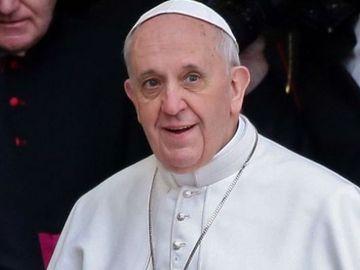 Când ajunge Papa Francisc în România și care este programul vizitei