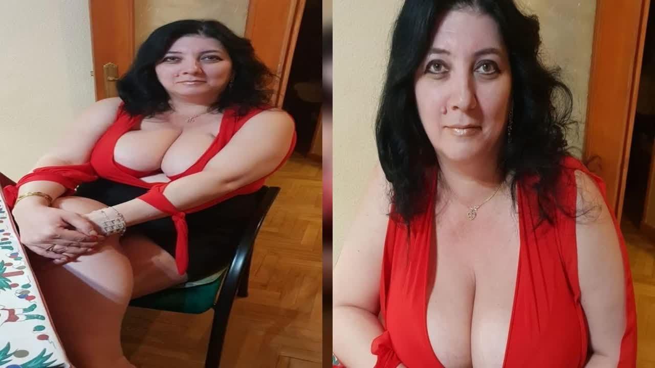 """""""Poruncește-mi, stăpână!  Ce cerințe halucinante primește Mirela, românca cu cei mai mari sâni de pe Facebook"""