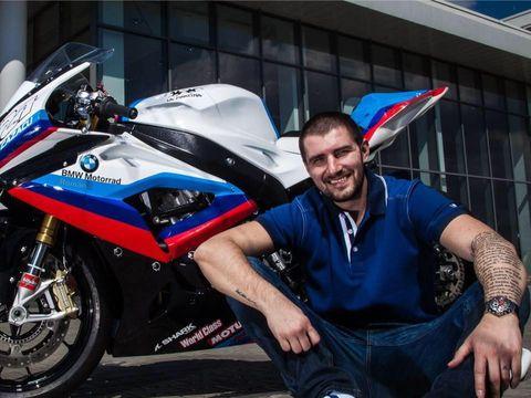 Cătălin Cazacu îşi vinde motocicleta cu care a devenit campion! Vezi câţi bani cere Faimosul pe bijuteria pe două roţi!