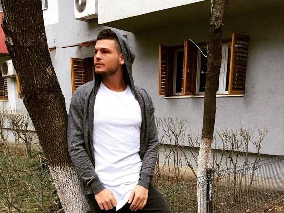 """Răzvan Botezatu a recunoscut că este virgin: """"Până acum nu am avut niciun contact sexual..."""" Dezvăluiri!"""