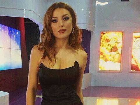 """Elena Gheorghe, anunţ şoc pe internet: """"Nu v-am spus, dar mai am un băieţel"""""""