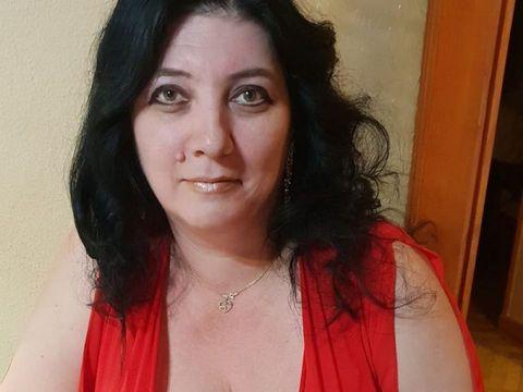 """Mirela """"Dracu' pe uscat"""", femeia de 45 de ani cu sânii uriași, aventură periculoasă: """"Au venit să mă omoare"""""""