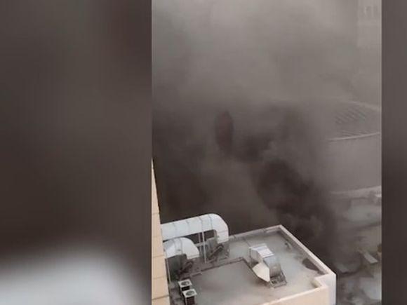 Incendiu în cel mai mare mall! Oamenii au început să sară pe geam, de la zeci de metri înălțime