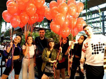 Liviu Teodorescu, Nicole Cherry, Speak, Ștefania și Camelia Bălțoi, aniversare cu baloane și gogoși