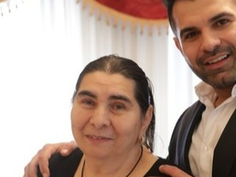 Florin Pastramă şi mama lui nu au plătit canalizarea şi gunoiul şi au fost daţi în judecată! Cei doi au avut restanţe de aproape 700 de lei! EXCLUSIV