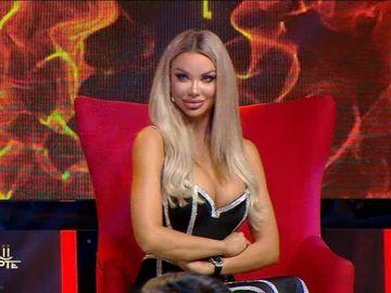 """Bianca Drăgușanu, luată la ro(a)st de Victor Slav:""""În locul tău aș fi putut să am un teanc de bani"""""""