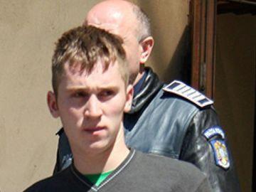 Un recidivist implicat în mai multe urmăriri ca-n filme a comis-o din nou: a gonit cu 200 de km/h, cu poliţia după el