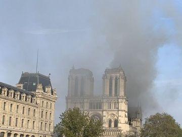 """Teoria șocantă despre incendiul de la Notre Dame! """"Îngerii""""care protejau catedralaau fost luați cu câteva zile înainte"""
