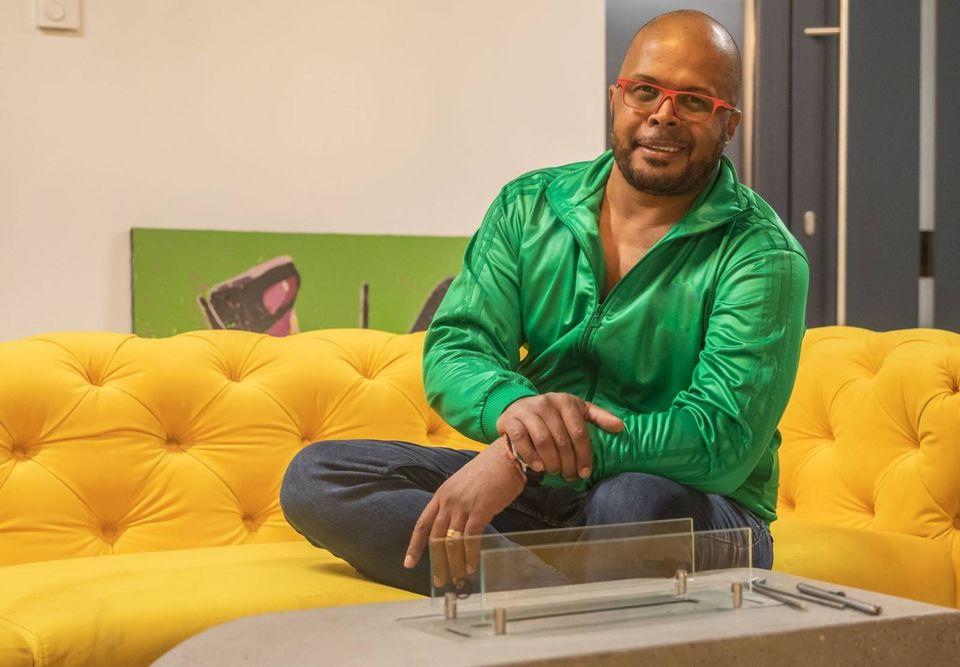 Cabral este praf în afaceri! Din televiziune câştigă puţin, iar o altă firmă l-a umplut de datorii!