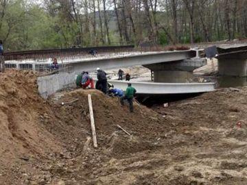 Plan roșu de intervenție! Accident teribil în România! Sunt 7 răniți după ce un pod s-a prăbușit peste muncitori