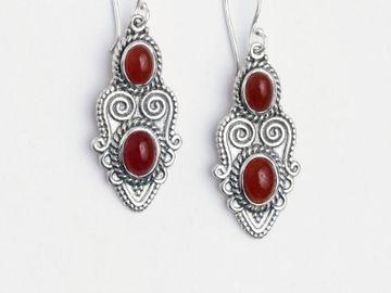 Cercei din argint cu pietre semipretioase - Idei de cadouri pentru persoanele dragi