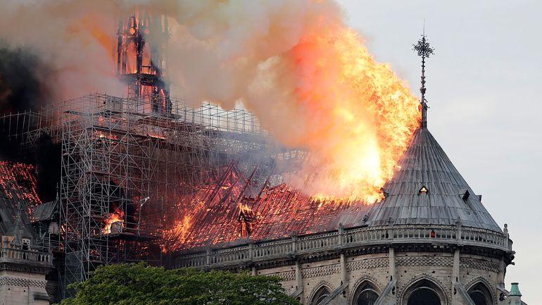 Care este cauza incendiului devastator de la Notre Dame! Autoritățile au făcut anunțul