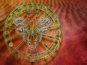 Horoscop special – Incepe ZODIA TAUR 2019! Ce aduce NOU senzualul Taur 2019 pentru toata lumea?