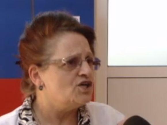 Șefa creșei din Iași, unde copiii erau învățați să înjure, a fost dată cu capul de masă! Un părinte nervos a bătut-o pe femeie