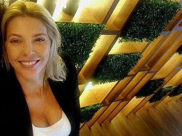 Mama Alinei Vidican face reducere de Paște la cremele fetei! Vezi cât costă