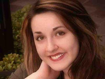 Doliu în lumea cinematografică! O actriță de 21 de ani a fost sfârtecată pe șinele de metrou