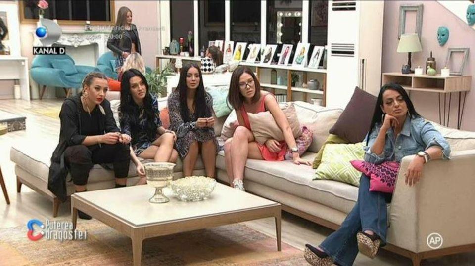 Bianca dezvăluie secretele grupurilor din casa de la Puterea Dragostei! Cum se fac strategiile și ce planuri ascunse au concurenții! EXCLUSIV