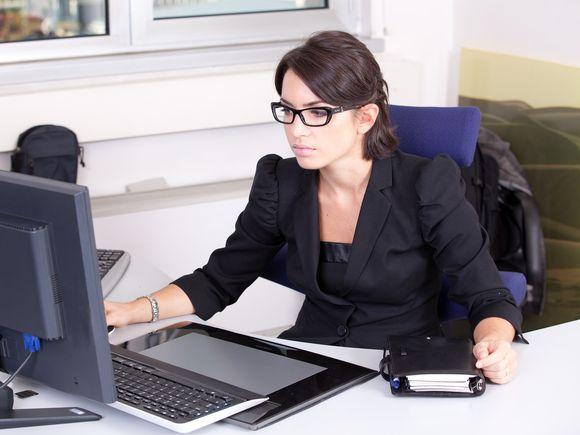 Top 5 tinute potrivite pentru birou in aceasta primavara