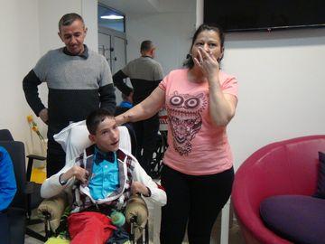 """Gestul SECRET FABULOS făcut de Gigi Becali! Nimeni nu ştie cât a ajutat această familie! """"Ne-a dat 10.000 de lei"""". Vezi cine l-a impresionat pe milionar! VIDEO EXCLUSIV!"""